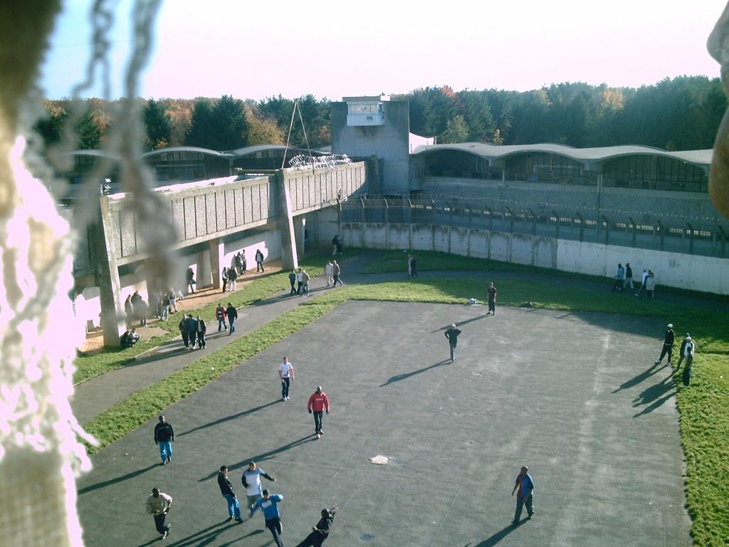 Il carcere di Fleury-Mérogis - I-screen