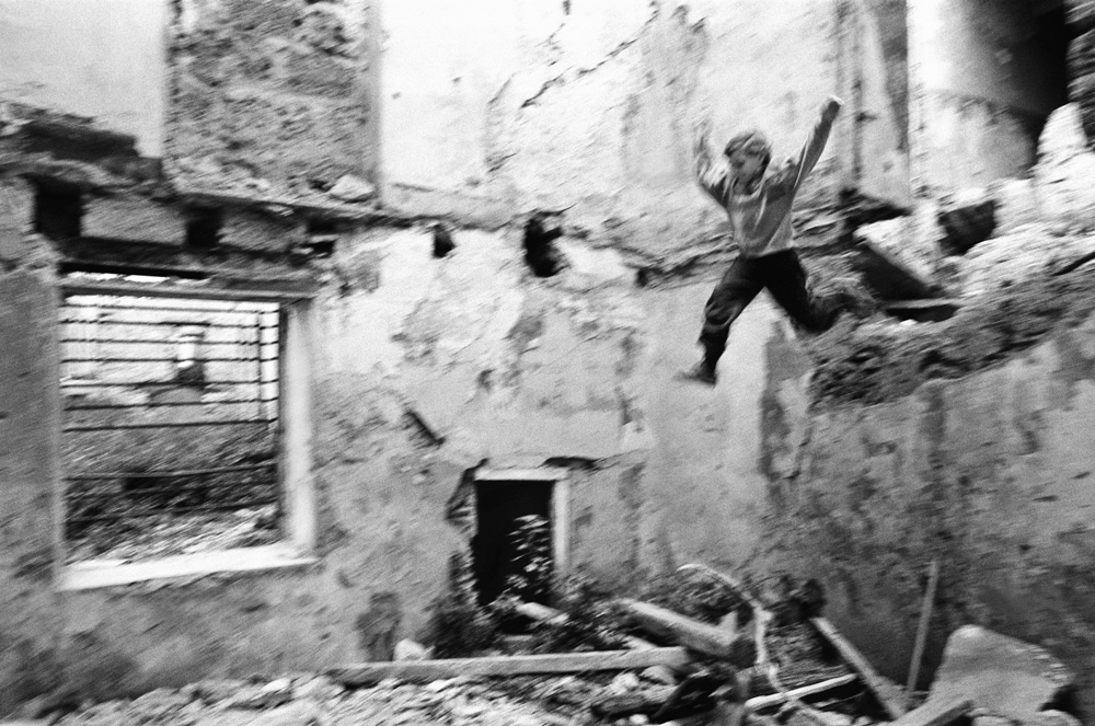 Quartiere Kalsa, Palermo, 1992.  - Tony Gentile, Postcart edizioni