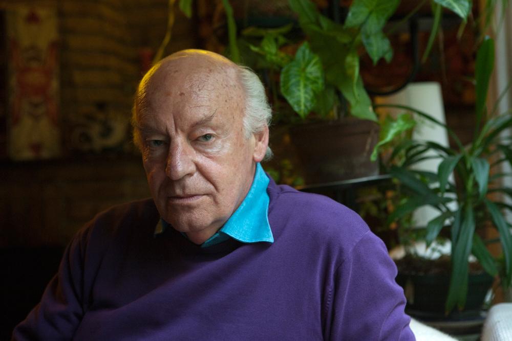 Lo scrittore Eduardo Galeano a Montevideo, in Uruguay, nel 2010. - Ricardo Ceppi, Corbis/Contrasto