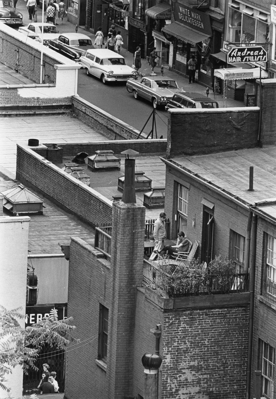 New York, il 13 luglio 1963. - (André Kertész)