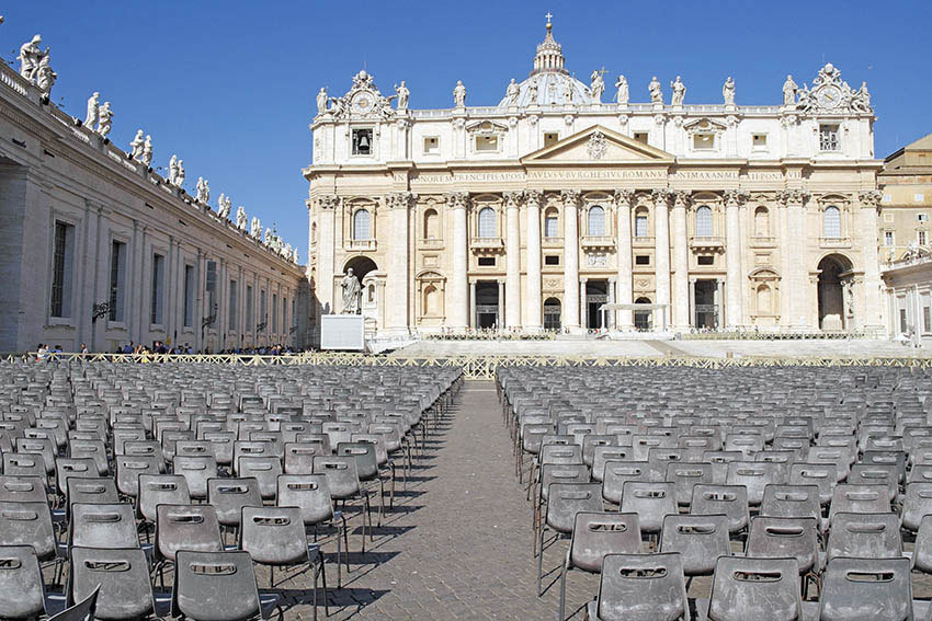 Le mille storie del mondo sotto la finestra del papa - Finestra del papa ...