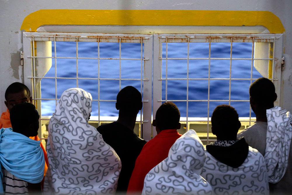 Sulla nave norvegese Siem Pilot diretta a Cagliari, 2 settembre 2015. - Gregorio Borgia, Ap/Ansa