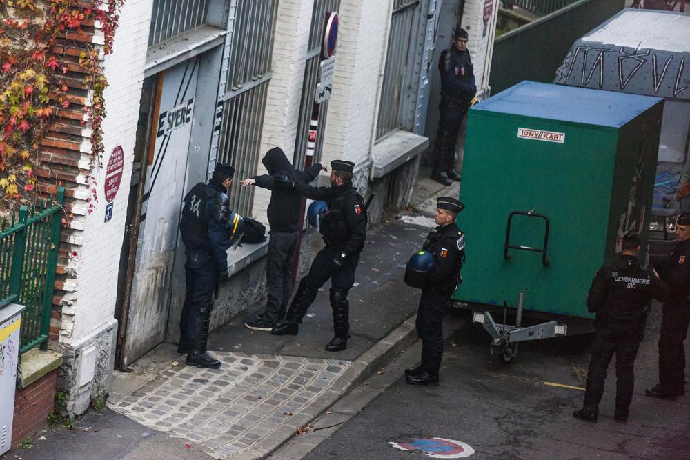 In Francia la polizia arresta gli ambientalisti in nome della lotta al terrorismo