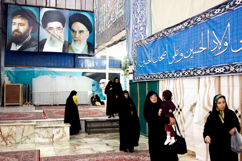 Nel mausoleo dell'ayatollah Khomeini, a Teheran, ottobre 2013. - Henning Bock, Laif/Contrasto