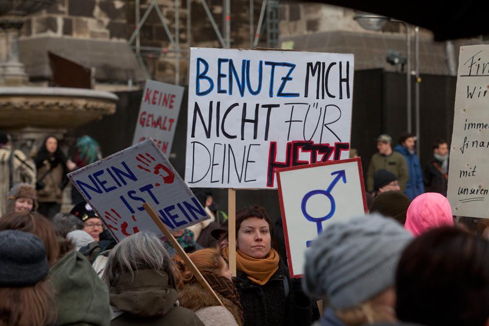 La manifestazione di Colonia dopo gli attacchi contro le donne avvenuti la notte di capodanno, il 17 gennaio 2016. - Karsten Schoene, Laif/Contrasto