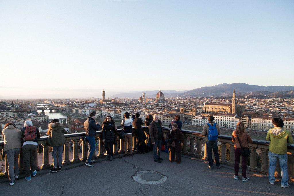 Firenze ormai vetrina per un turismo usa e getta vanni for Acque pure italia opinioni