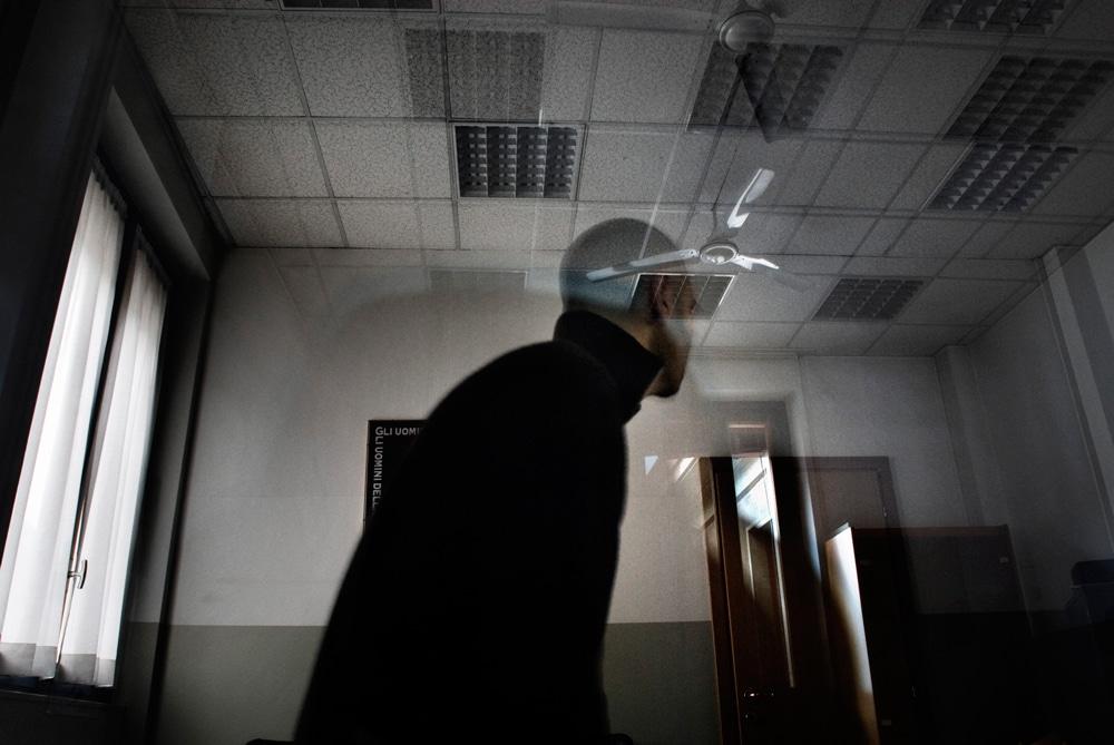 Un paziente seguito dal programma dedicato alla cura delle persone colpevoli di violenza sessuale, nel centro di reclusione di Milano-Bollate, 2010.  - Giovanni Cocco