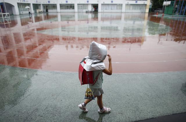 Perché in Giappone i bambini vanno a scuola a piedi da soli