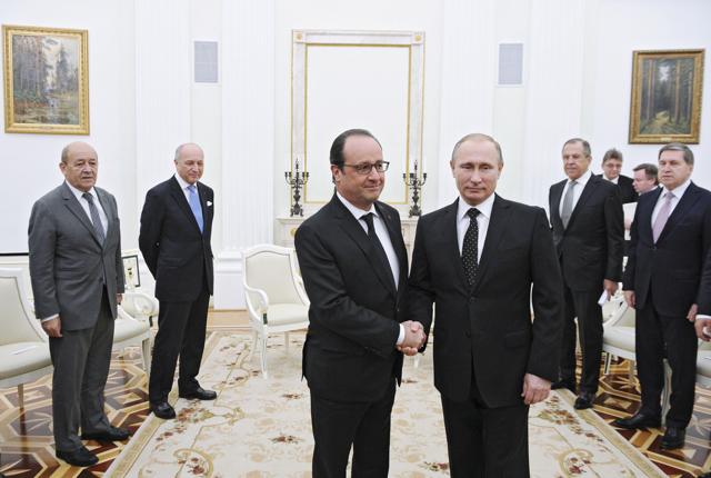 Il presidente francese non dovrebbe ricevere Vladimir Putin
