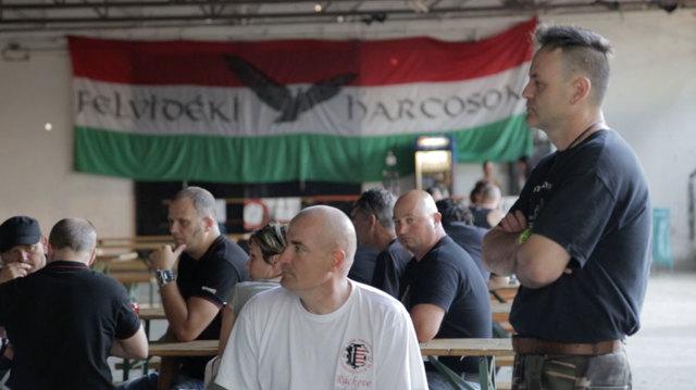 In Ungheria l'estrema destra dà la caccia ai migranti