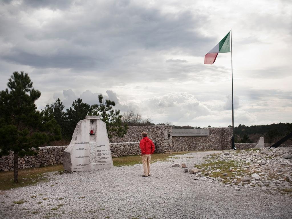 Il monumento in onore delle vittime delle foibe a Basovizza, in provincia di Trieste, il 17 marzo 2011. - Michele Borzoni, TerraProject/Contrasto