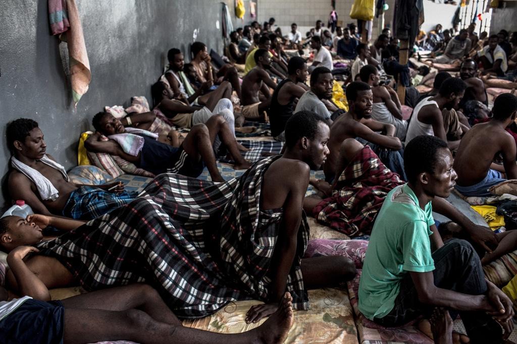 Migranti nel centro di detenzione Abu Salim a Tripoli, in Libia, il 15 agosto 2016. - Daniel Etter, Redux/Contrasto