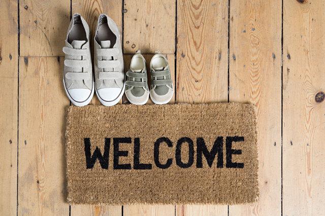 Benvenuto, puoi toglierti le scarpe prima di entrare in casa?