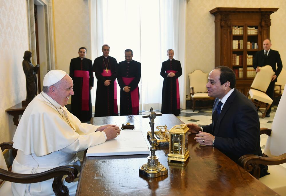 Risultati immagini per papa francesco al sisi