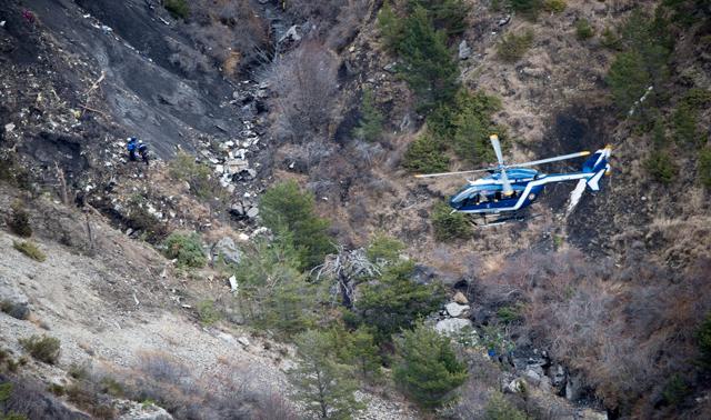 Germanwings, il copilota ha fatto precipitare l'aereo volontariamente