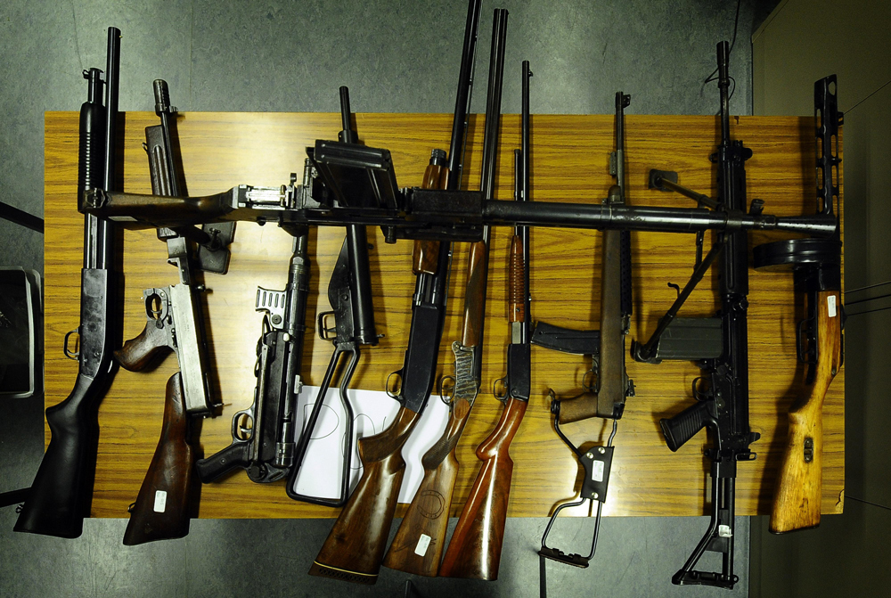 Da dove vengono le armi usate dai terroristi? - Ludovic ...