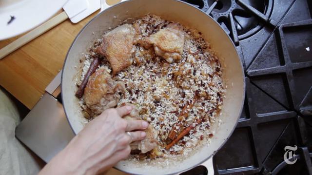 Come preparare il riso con pollo e cardamomo