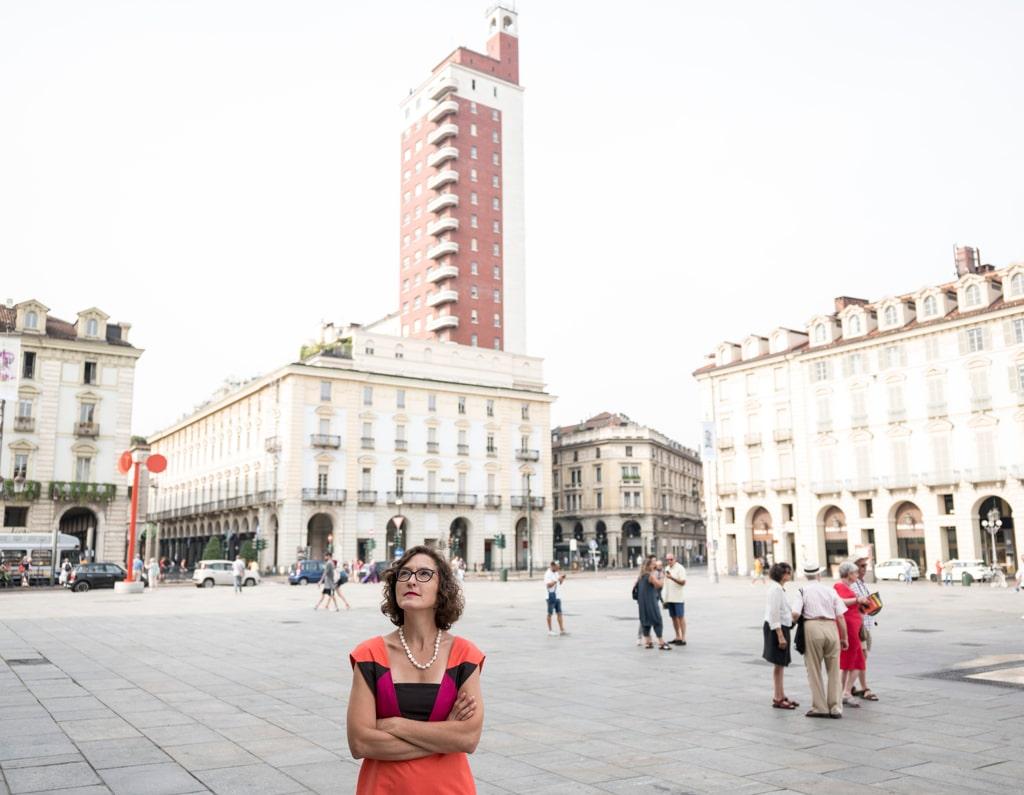 Francesca Leon in piazza Castello, Torino, il 3 settembre 2016. - Daniele Ratti per Internazionale