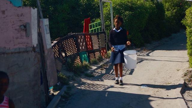 Nella township di citt del capo anche andare in bagno pericoloso internazionale - Andare spesso in bagno ...
