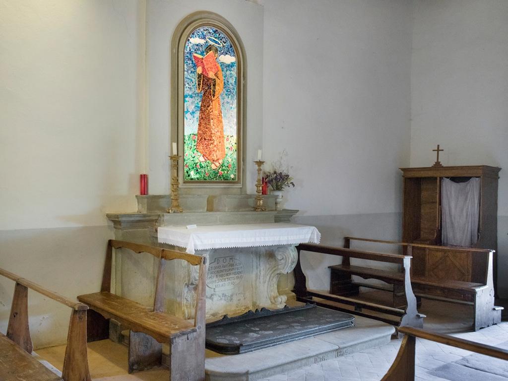 La chiesa di Barbiana, il 18 giugno 2017. - Simone Donati, TerraProject per Internazionale