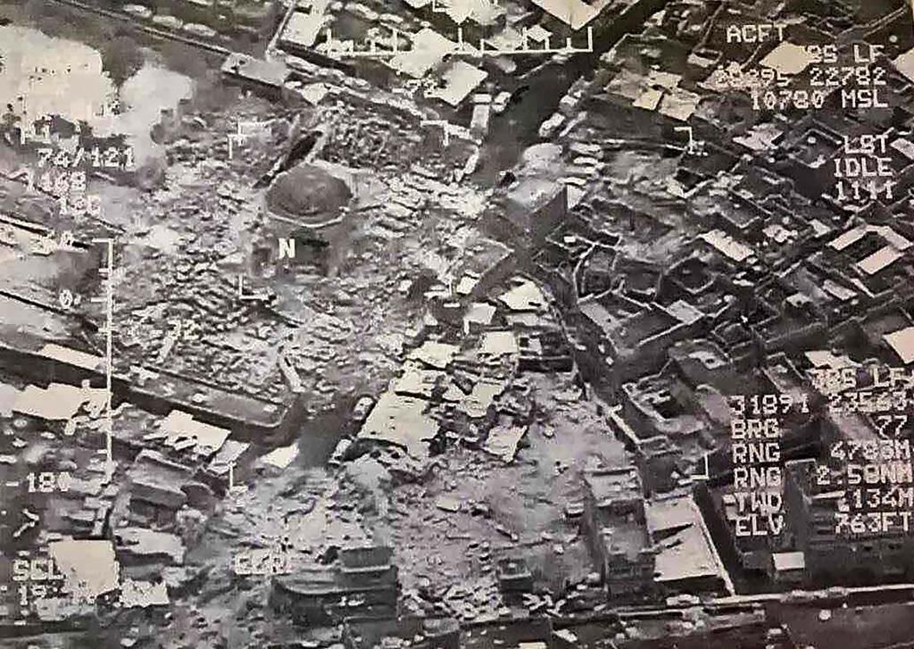 Mosul, infuria la battaglia dopo la distruzione della moschea