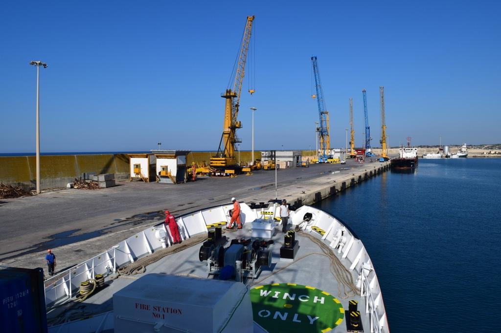 La nave Aquarius a Pozzallo, per una sosta tecnica, il 17 luglio 2017. - Annalisa Camilli