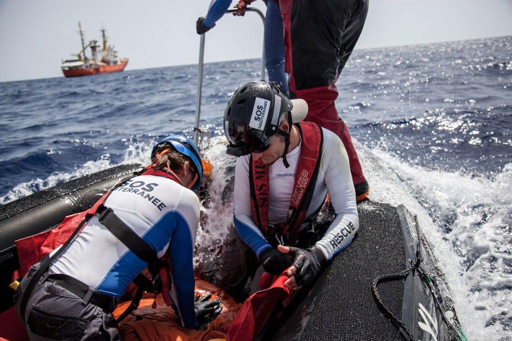 Un'esercitazione svolta dagli operatori di Sos Méditerranée, luglio 2017. - Narciso Contreras