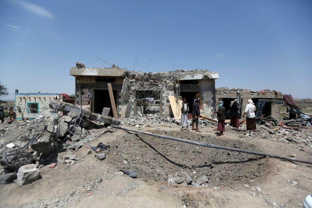 Yemen, raid colpisce un hotel: almeno 37 morti