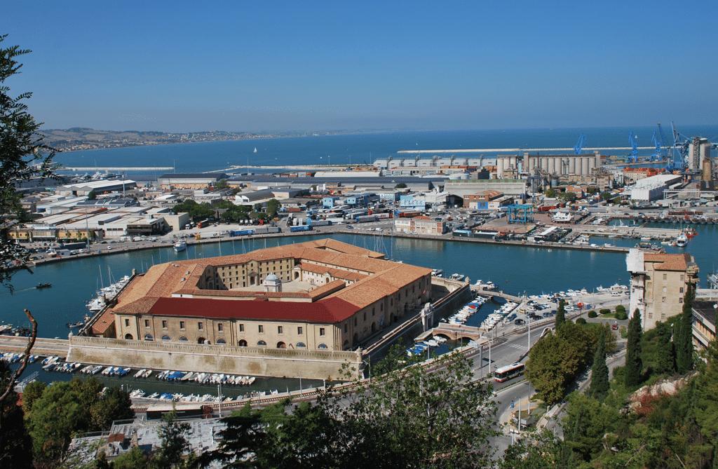 La Mole Vanvitelliana, Ancona. - Archivio fotografico del museo tattile statale Omero