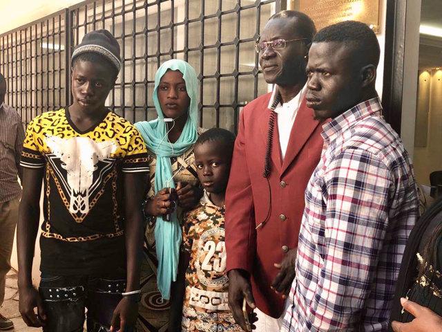 A casa loro, come vivono le famiglie dei tre senegalesi ucci
