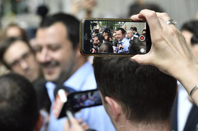 Le trattative per il governo italiano nella stampa europea