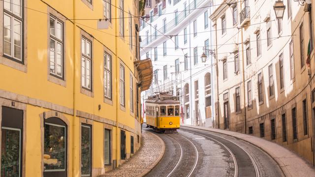 In Portogallo, scansando (quando si può) i turisti