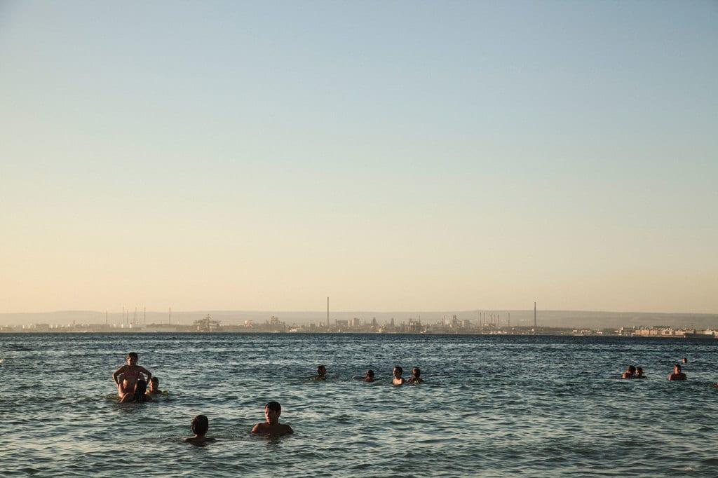 L'Ilva vista dalla spiaggia di San Vito, Taranto, 2014. - Andrea Petrosino