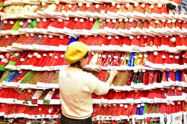 Il Percorso Di Babbo Natale.Viaggio Nelle Fabbriche Cinesi Di Babbo Natale Gabriele