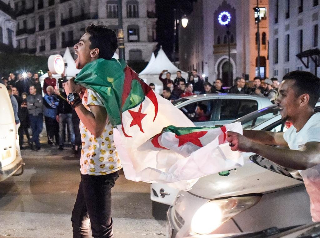 Studenti in piazza contro Bouteflika