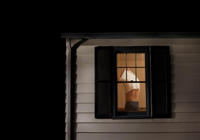 Airbnb ha un problema con le telecamere nascoste - Sidney Fussell ...