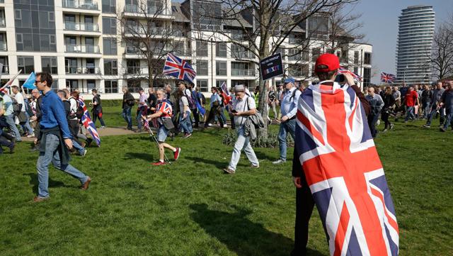 L'estrema destra britannica cresce nello stallo della Brexit