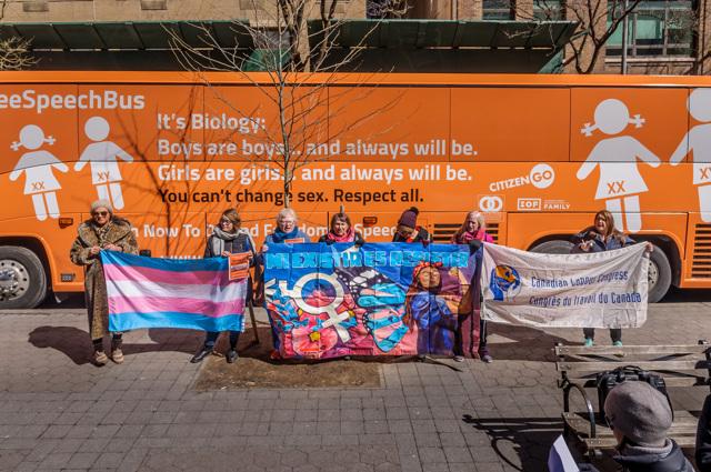 """Il """"bus della libertà"""", una campagna lanciata da CitizenGo contro la comunità lgbt a New York, marzo 2017. - Erik McGregor, Pacific Press/LightRocket via Getty Images"""