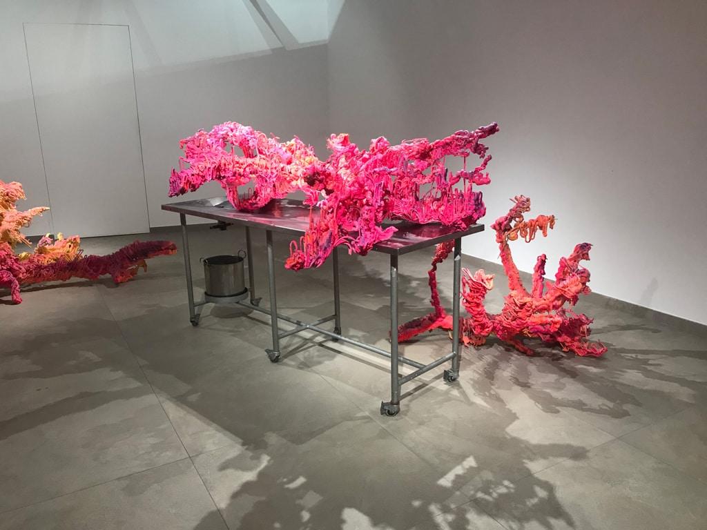 Un'opera di Nadine Baldow esposta alla galleria Valletta contemporary, aprile 2019. - Rosy Santella