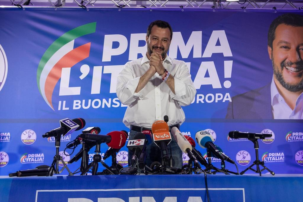 Matteo Renzi zittito da Maria Giovanna Maglie: