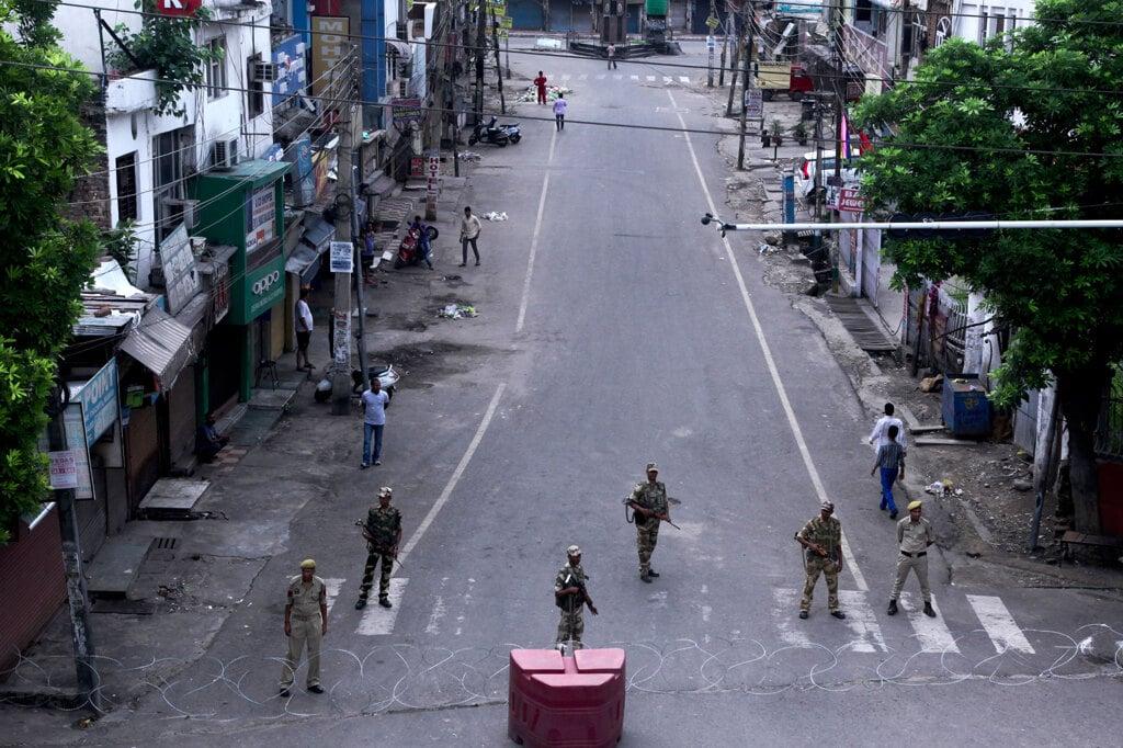 Alta tensione tra India e Pakistan per il Kashmir