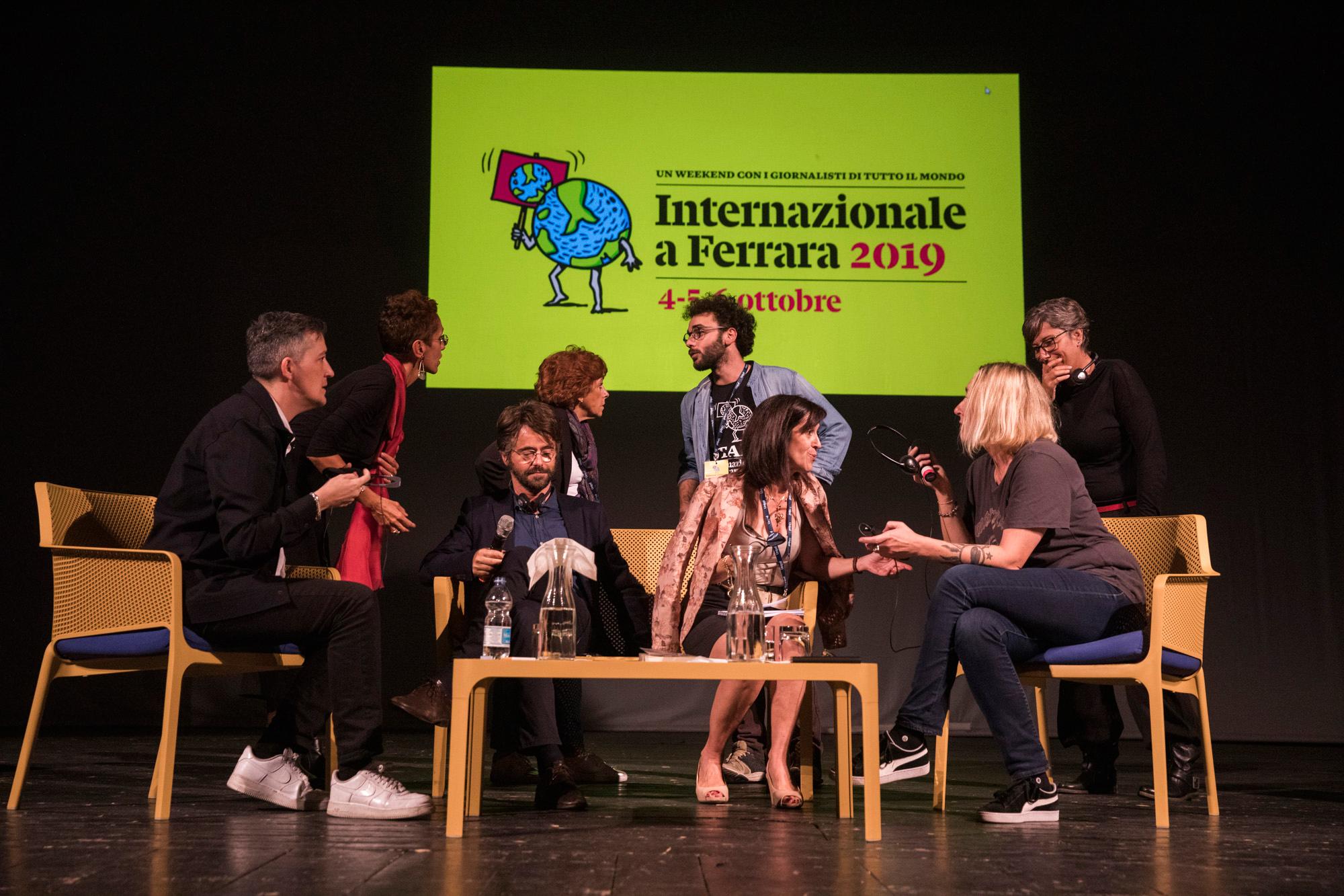 """L'incontro """"King Kong su Urano"""" al teatro Nuovo, con Paul B. Preciado, Virginie Despentes e Pietro Del Soldà. - (Giuliano Del Gatto)"""