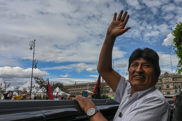 L'esilio di Evo Morales lascia un paese e un continente divi