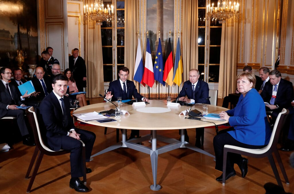 Ucraina, bilaterale tra Putin e Zelensky a Parigi