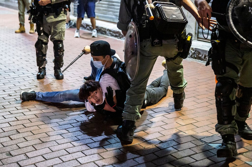 Ilaria Maria Sala:  A Hong Kong il virus non ferma la repressione