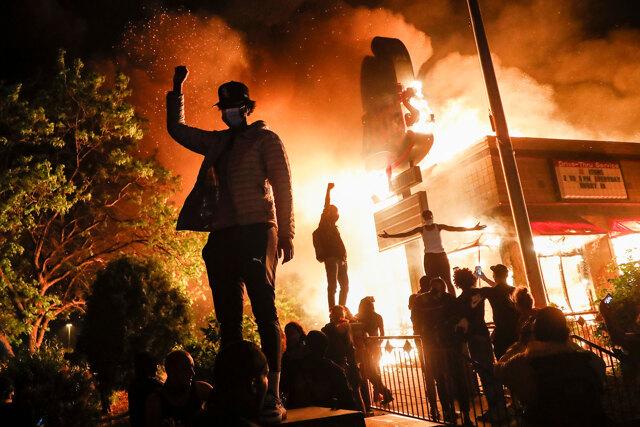 Le proteste negli Stati Uniti sono un regalo inaspettato per