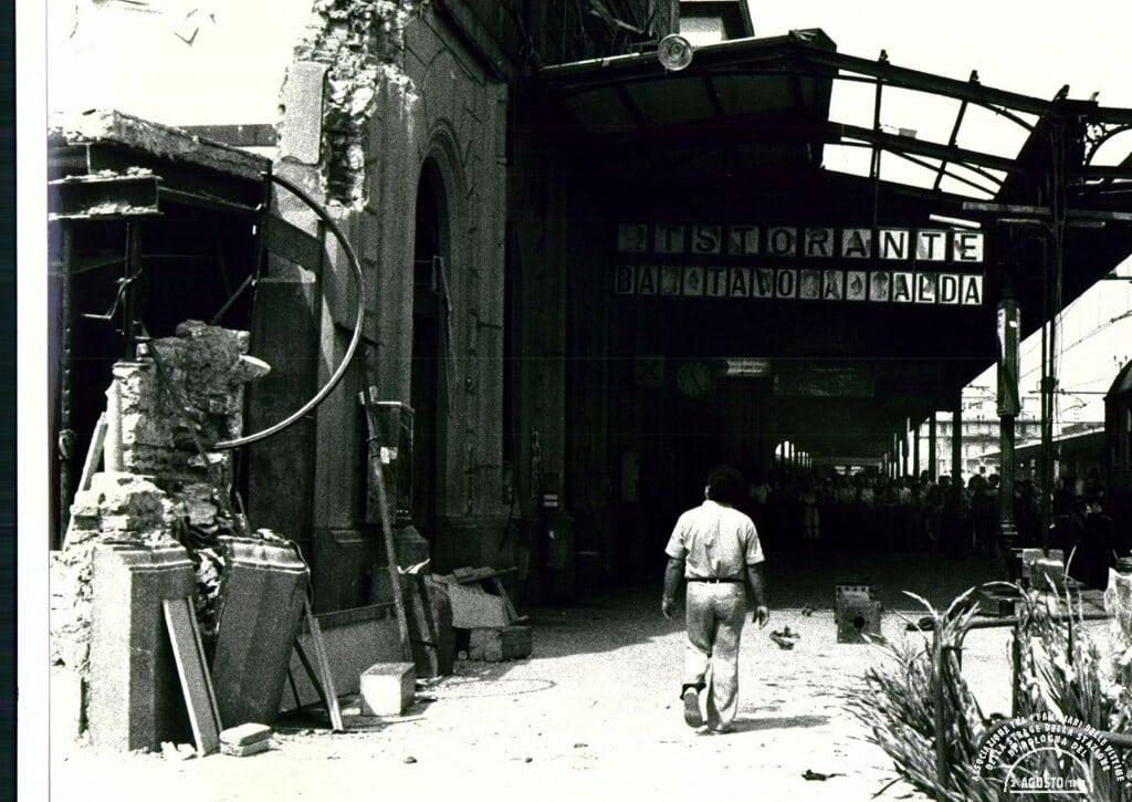 L'ala ovest della stazione, 2 agosto 1980. - Associazione 2 agosto 1980