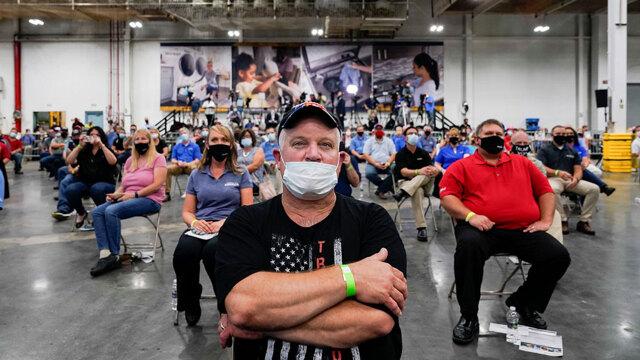 Tra gli operai dell'Ohio che voteranno ancora per Trump