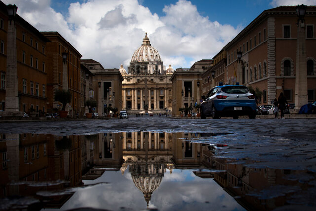 Gli scandali accelerano la riforma finanziaria del papa