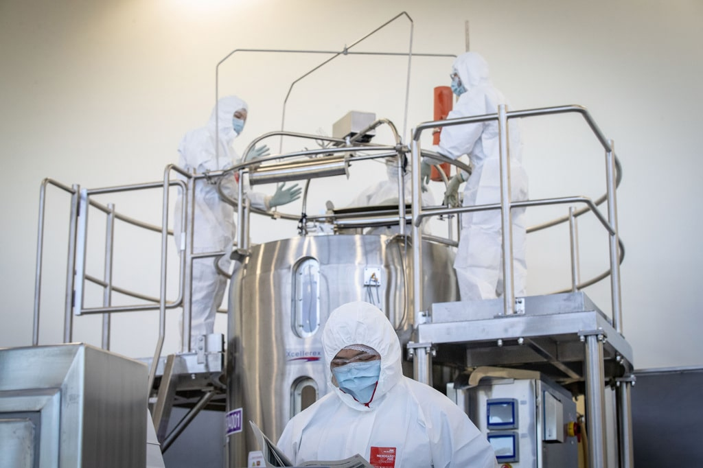 Il vaccino prodotto da AstraZeneca dovrà essere sottoposto a un ulteriore studio